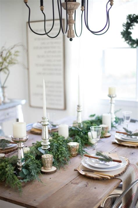 dining room tablescapes 25 best ideas about christmas dining rooms on pinterest