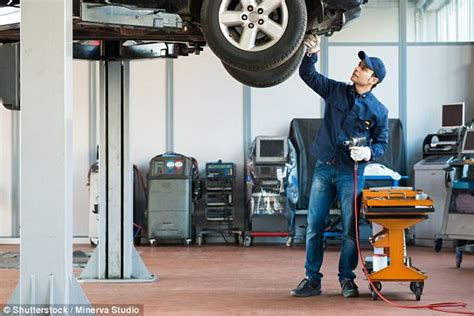 Garage Labour Costs by Franchised Garage Costs 40 More Than Independent Daily