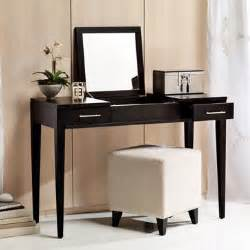 choosing a bench for your vanity desk