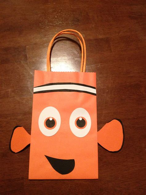 Goodybag Nemo finding nemo inspired favor bags by tbcraft06 on etsy