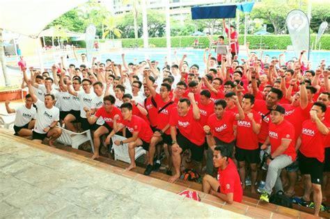 dragon boat world record largest dragon boat tug of war competition singapore