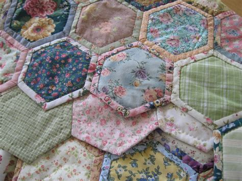 pattern for quilt as you go quilt as you go hexagons quilts pinterest quilt