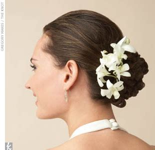 Wedding Hair Accessories Fresh Flowers by Real Weddings Real Wedding Photos