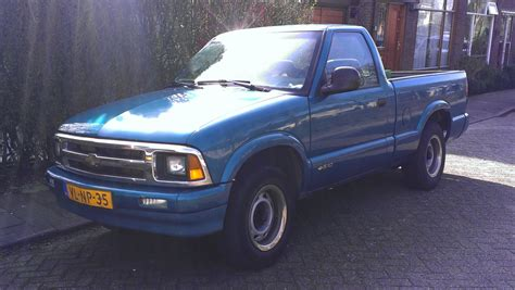 s10 bed size chevrolet s 10