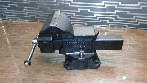 craftsman bench vice craftsman 51856 heavy duty 6 inch bench vise w swivel