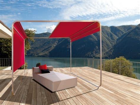sonnenschutz pavillon mit faltdach sichtschutz f 252 r terrassen 13 ideen f 252 r ihre privatsph 228 re