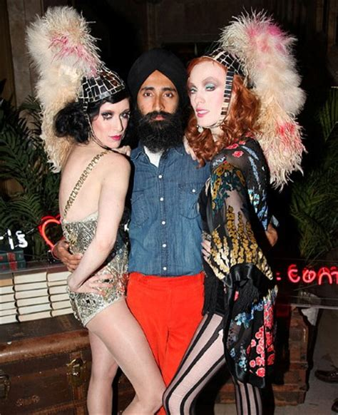 designerstühle waris ahluwalia jewellery designer style icon and