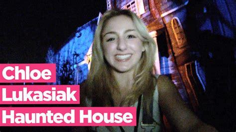 chloe lukasiak house chloe lukasiak haunted house walk through knott s scar doovi
