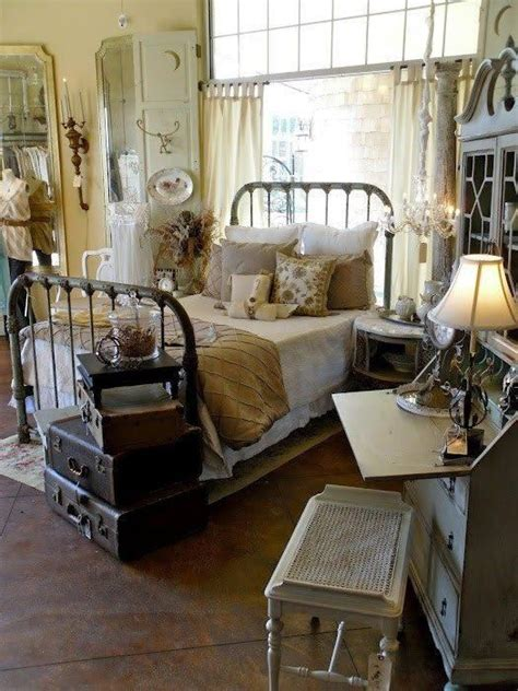 Vintage Decor For Bedroom by Primitive Decorating Ideas Vintage Bedroom Primitive