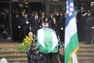 Heads Home For Funeral by Nypd Officers Turn Their Backs Again On Bill De Blasio At