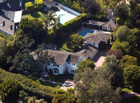 renee zellweger bel air homes lonny