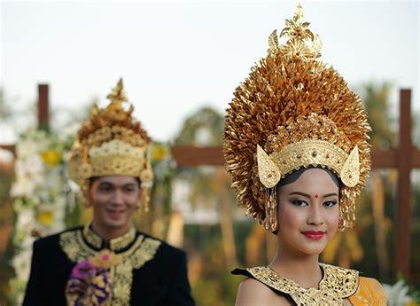 Make Up Pengantin Bali tata rias pengantin bali payas agung badung weddingku