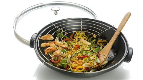 wok cuisine cuisine chinoise les accessoires indispensables