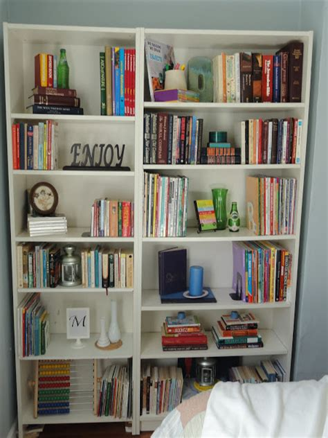 remodelaholic staging a bookcase beautifully