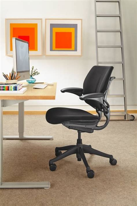 Minimalist Desks Simply Get The Job Done Dailyherald Com Intimo Desk