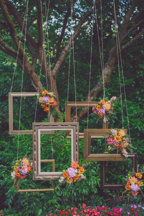 Jam Dinding Shabby Chic Motif Half Flower Dekorasi Rumah 23 awesome diy photo booth backdrop ideas chi town brides