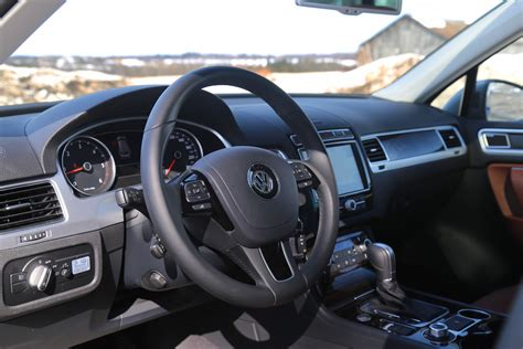 volkswagen touareg interior 2015 review 2015 volkswagen touareg tdi canadian auto review
