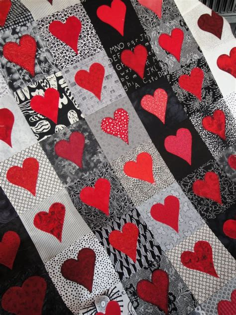 heart pattern bedding 14 beautiful valentine s day fabric quilting projects to