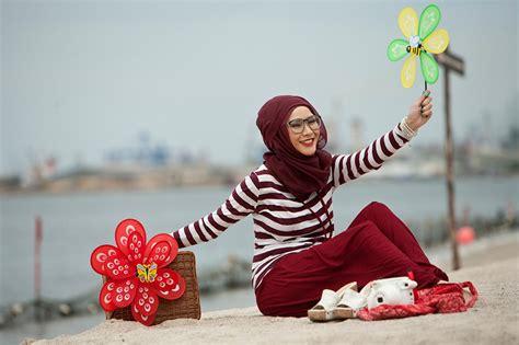 Abaya Maxi Pelangi Jaya Maroon Berkualitas fashion hijabiworld
