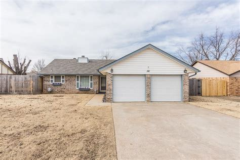 141 pawnee place yukon ok for sale 154 900 homes