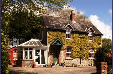 bed and breakfast in ireland druid cottage bed and breakfast accommodation in kenmare