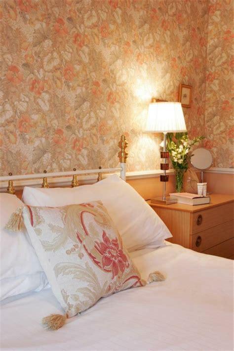 tapeten landhausstil schlafzimmer tapeten landhausstil frische ideen wie sie die w 228 nde