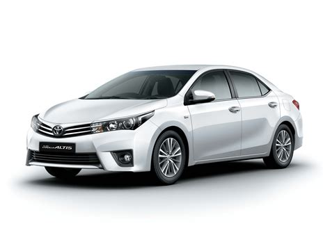 c lla 2014 toyota corolla altis launched in india details here