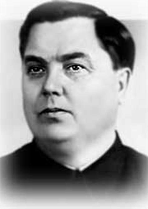 resumen de la biografia iosif stalin resumen de biografia iosif stalin