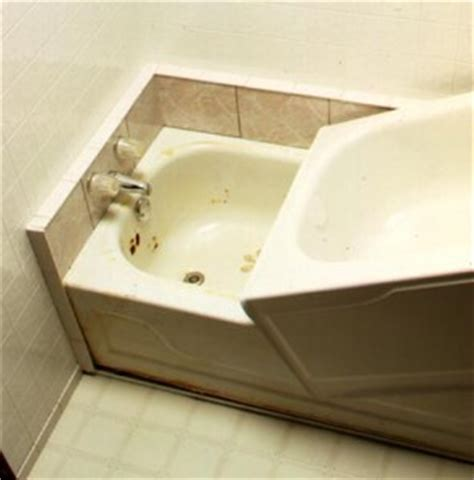 how to cover a bathtub bathtub liners giving your bathtub a fresh new look