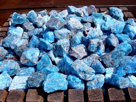 Blue Apatite Stone   Apatite Rock   Gems by Mail