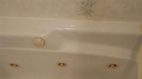 repair chip in acrylic bathtub large chip in acrylic jacuzzi repair bathtub refinishing