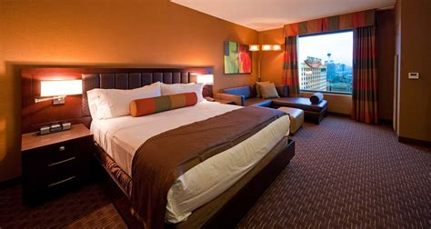 tower rooms tower deluxe golden nugget las vegas