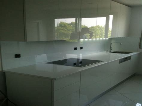 cr馘ence de cuisine en verre acheter credence cuisine verre blanc cr 233 dences cuisine
