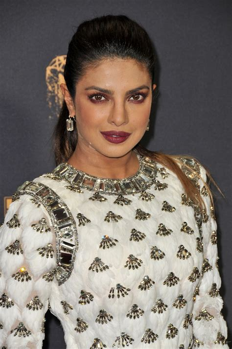 priyanka chopra at the emmy priyanka chopra emmy awards in los angeles 09 17 2017