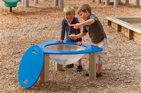 Outdoor Water Table by Learning Puddle Outdoor Water Table