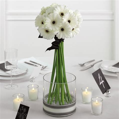 simple centerpieces simple wedding table ideas photograph inexpensive wedding