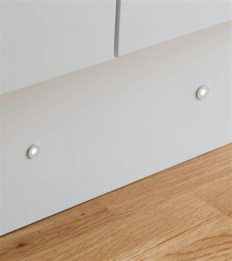led plinthe cuisine spots led ronds pour plinthe houdan cuisines