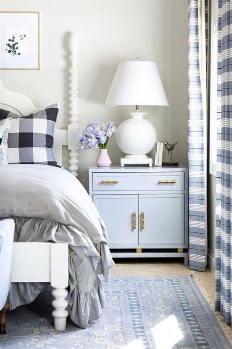 Bedroom Nightstand Decorating Ideas by Bedroom Nightstand Decorating Ideas Large Nightstand With