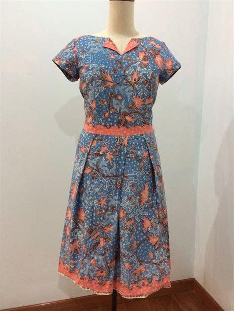 Dress Batik Tulis Kombinasi Embos pin by yvonne siagian on batik by dongengan