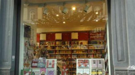 san paolo libreria napoli caro fitti chiude anche la libreria san paolo