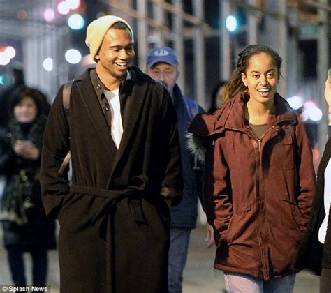 obamas new boyfriend malia obama pictured at trendy manhattan bar with a friend