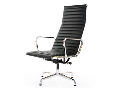 Black Lounge Chair by Lounge Chair Ea124 Black