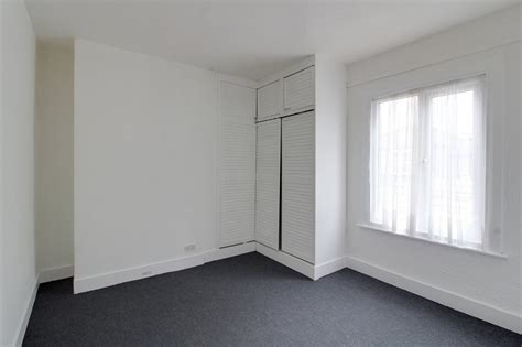 one bedroom flat southend 1 bedroom flat for sale london road southend on sea ss1