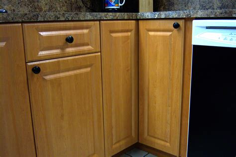 chris cabinets kitchen cabinets