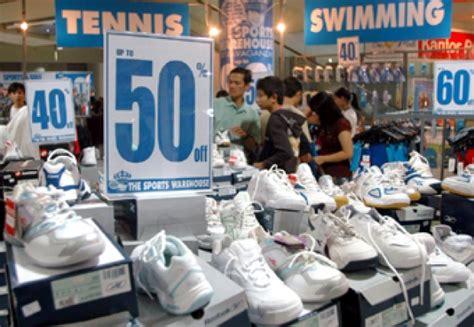 Hr 05 Sepatu Pesta ada sepatu kickers label halal dan bahan babi metro tempo co