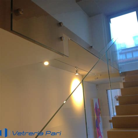 corrimano in vetro per scale corrimano in vetro per scale balaustra lungo scala su