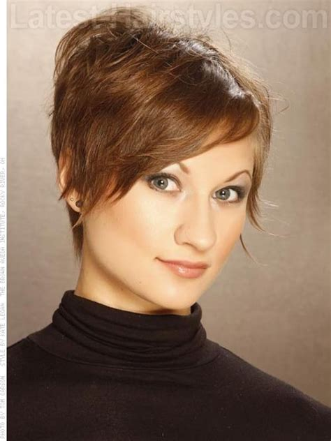 wispy and tapered ends hairstyle long layered pixie razored edge pixie haircut sculpted