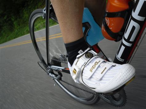 how to choose road bike shoes capovelo how to choose the right cycling shoes