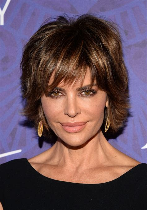 how does lisa rinna cut her hair lisa rinna layered razor cut layered razor cut lookbook
