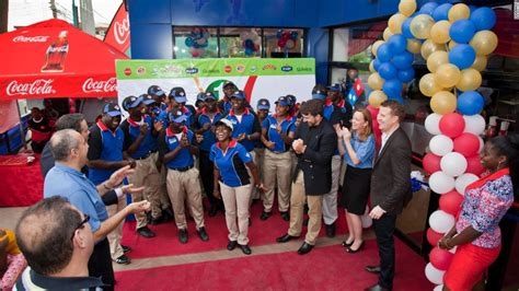 domino pizza nigeria fast food giants want pizza the action in africa cnn